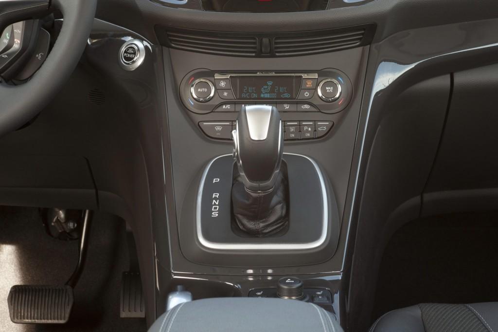2012-Ford-Kuga-24[2]