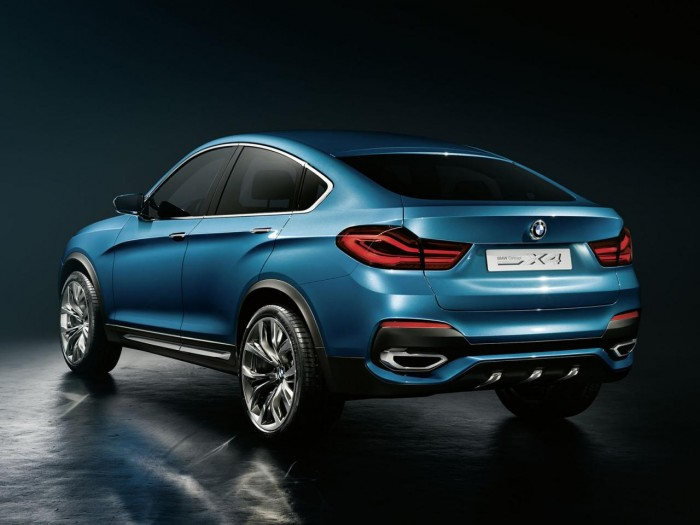 BMW-X4 вид сзади