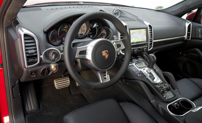 Стильный салон Porsche Cayenne