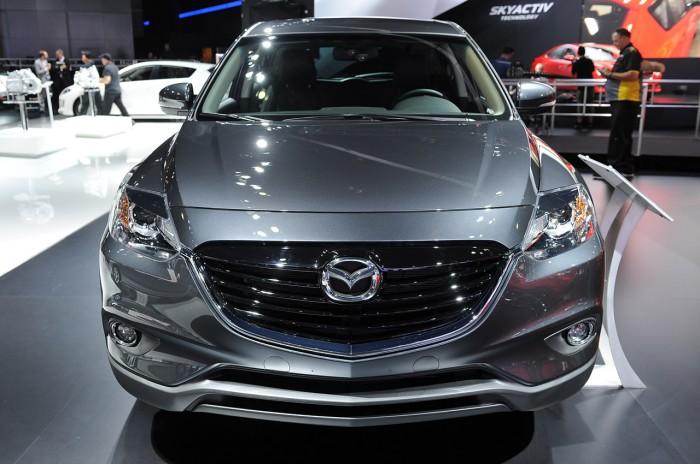 Агрессивный перед Mazda CX-9 2014