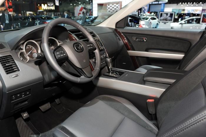 Интерьер Mazda CX-9 2014