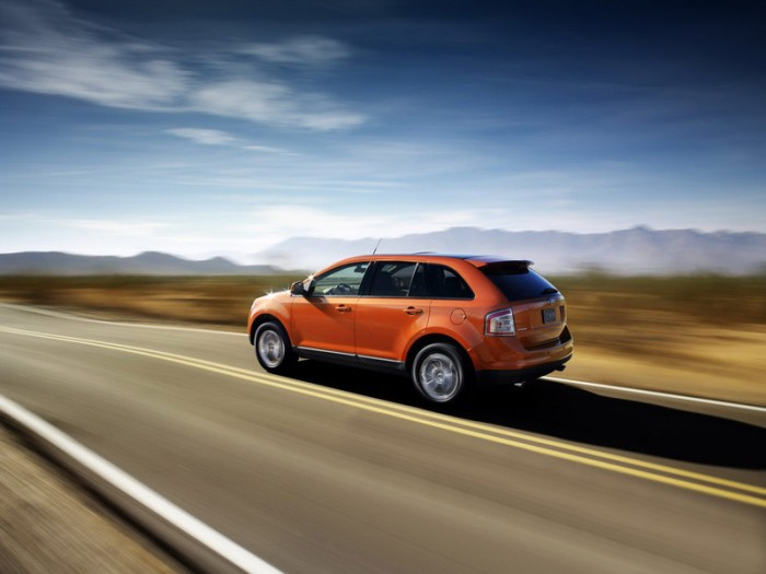 Ford Edge в движении