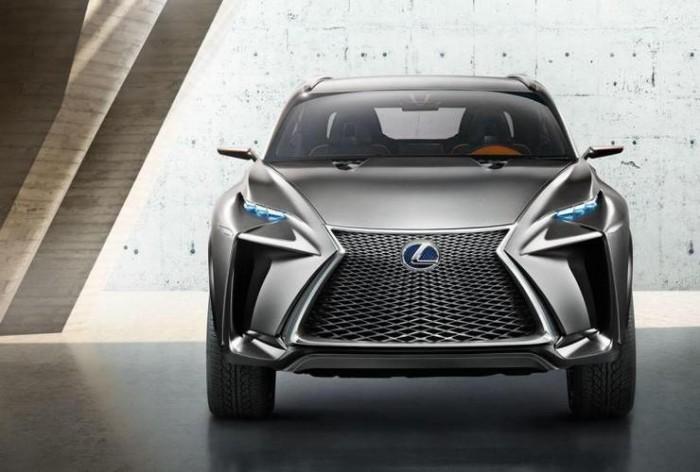 Lexus NX, вид спереди