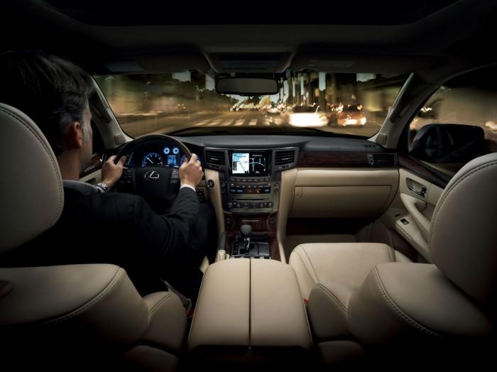 Lexus LX - роскошный автомобиль для экономных водителей