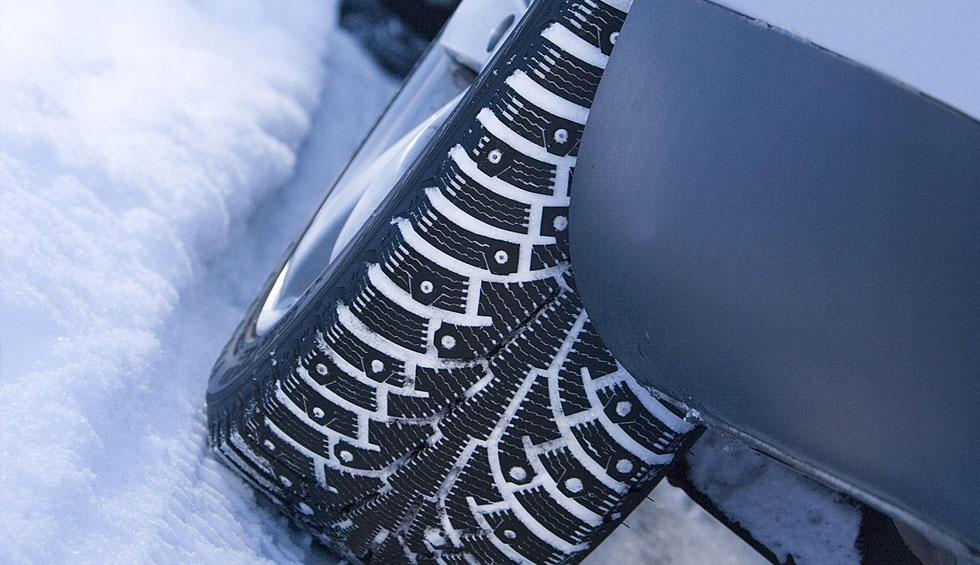 Колесо в зимней шине
