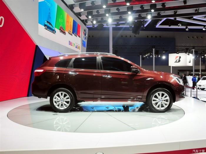 Venucia T70 - китайский кроссоверпоратим Nissan Qashqai