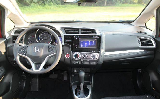 Интерьер Honda Jazz 2015