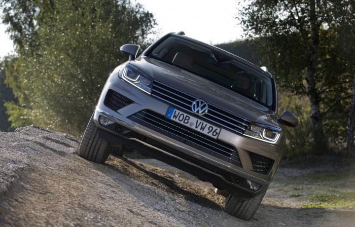 Новый внедорожник Volkswagen Touareg на бездоожье