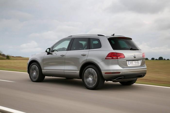 Немного изменился дзайн передка Volkswagen Touareg