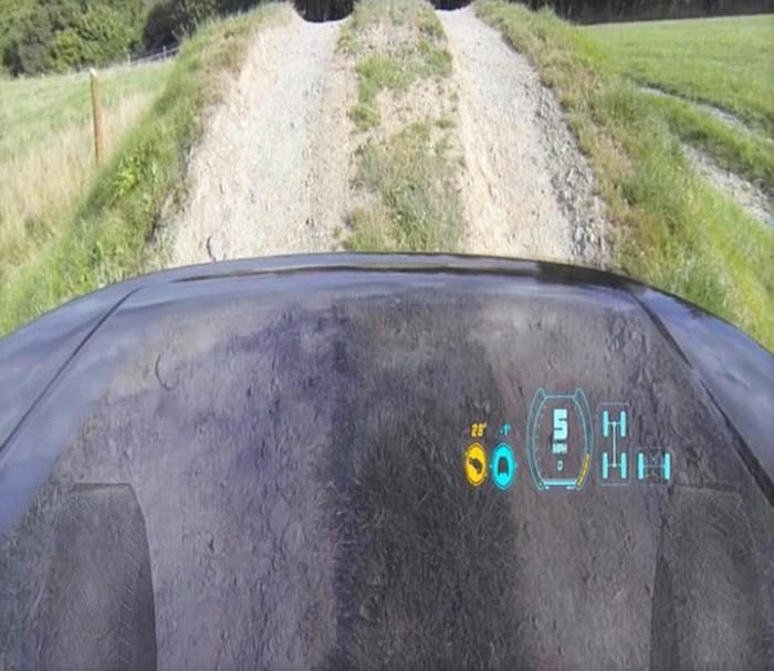 """Система """"позрачный капот"""" на автомобилях компании Jaguar Land Rover"""