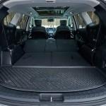 Небольшой багажник 176л при разложенных сидениях увеличивается до 1842л