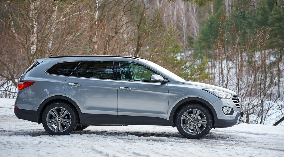 Внедорожник Hyundai Grand Santa Fe обладает полным приводом