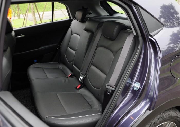 За счет сборки спинок задних сидений багажник увеличиться в три раза