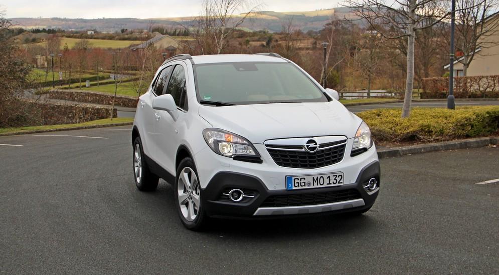 Яркий представитель класса компактных кроссоверов SUV Opel Mokka.