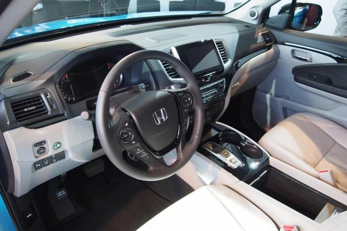 Высококачественный салон нового Honda Pilot 2016