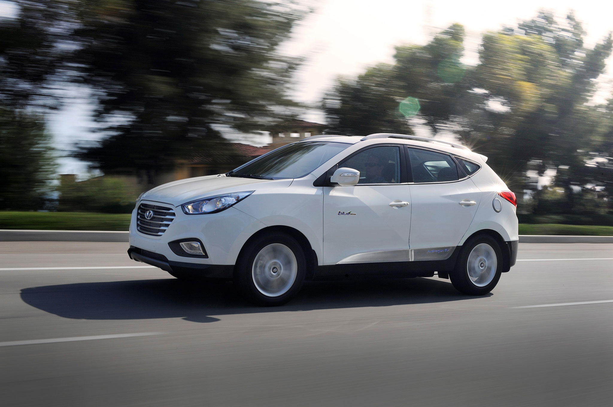 Hyundai Tucson Fuel Cell белый