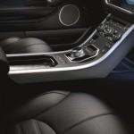 Новый Range Rover Evoque может комплектоваться как механической, так и автоматической трансмиссией