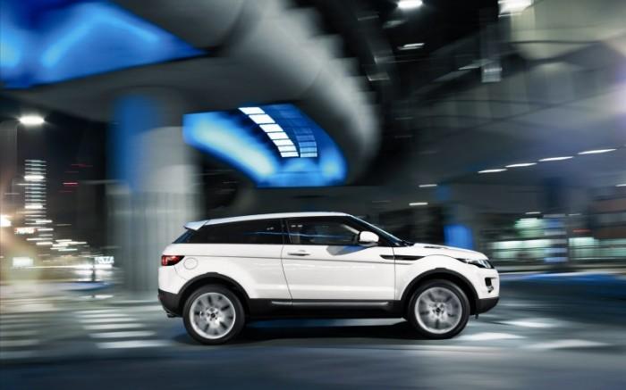 Новые силовые агрегаты в  Range Rover Evoque более экономичные, хотя и более мощные