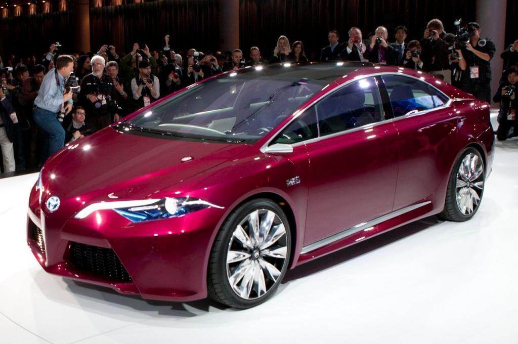 Toyota Prius на выставке