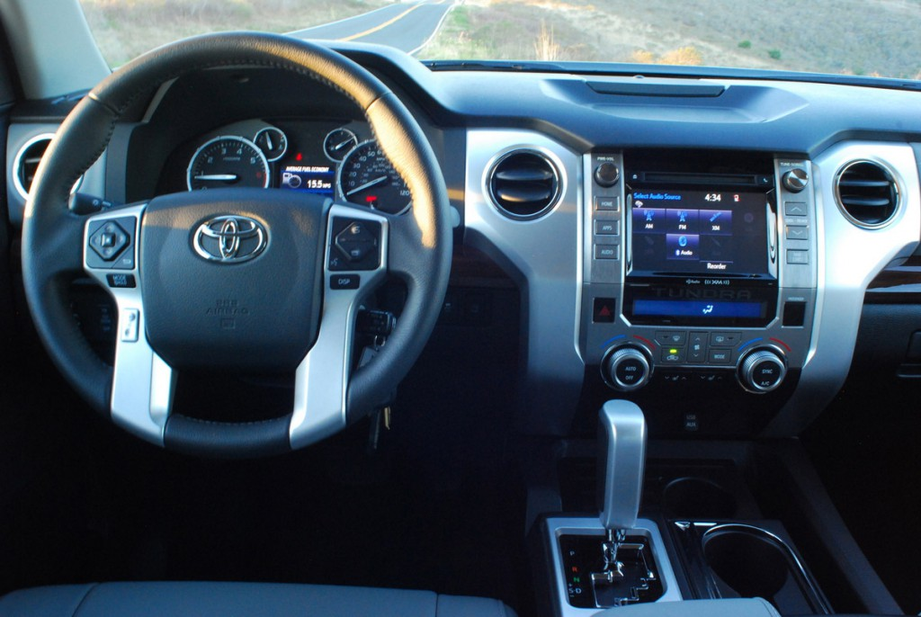 Качественный салон нового Тойота Тундра