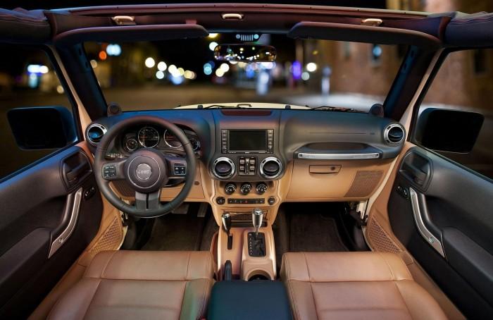Салон Jeep Wrangler