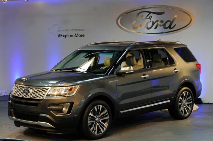 Ford Explorer 2016, вид сбоку